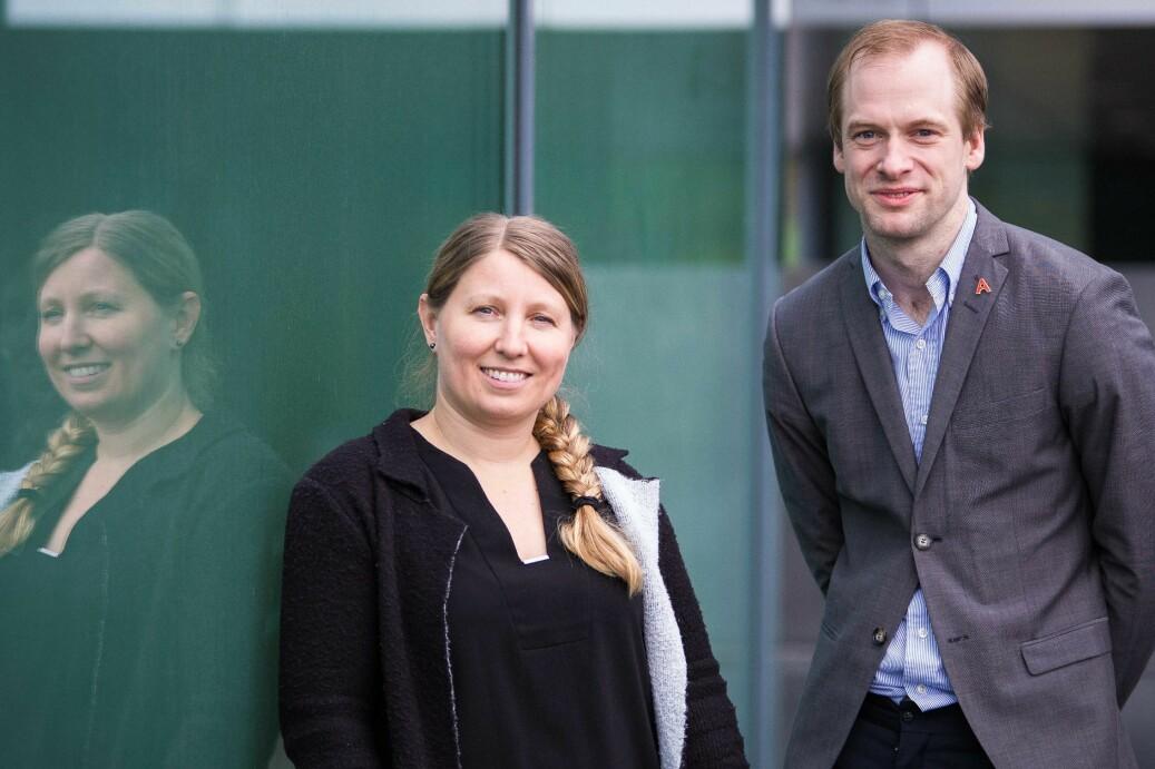 Guro Lind og Magnus Aronsen i Akademiet for yngre forskere har tre råd til statsråd Iselin Nybø. Foto: Siri Øverland Eriksen