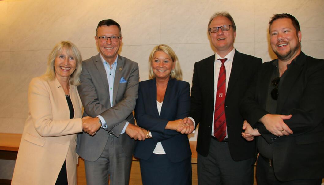 Marit Boyesen, Dag Rune Olsen, Monica Mæland, Frank Reichert og Erlend Jordal feiret det nye selskapet under Arendalsuka. Nå er også styret i selskapet klart. Foto: DagHellesund