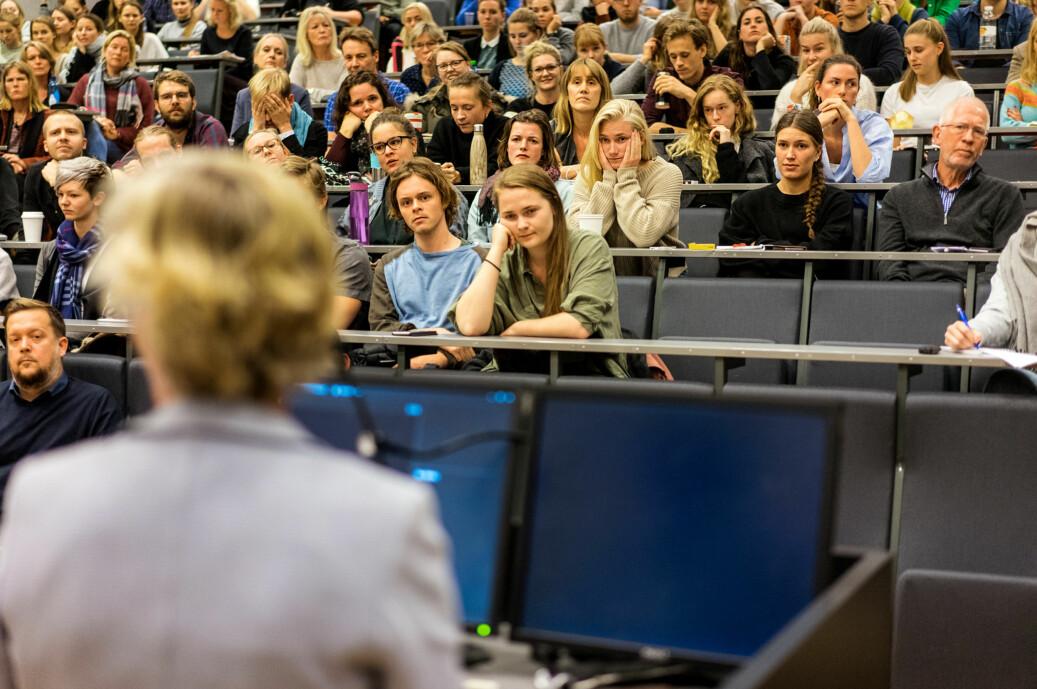 Resultatene i rapporten fra Kluge Advokatfirma om internklinikkene på UiO ble offentliggjort på dette allmøtet. Foto: Ketil Blom Haugstulen