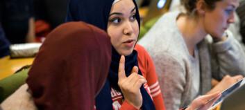 På første forelesning med helt nytt flyktningepass