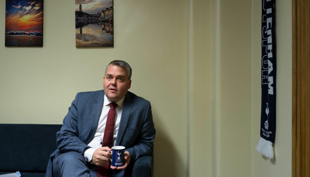 Roy Steffensen (FrP), leder i Utdannings- og forskningskomiteen på Stortinget for 2017-2021. Bildene tatt på kontoret hans på Stortinget. Foto: David Engmo