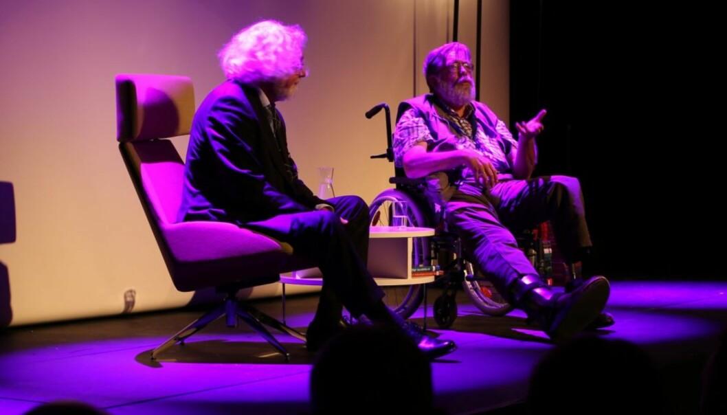 Professor Frank Aarebrot (t.h.) i samtale med forfatter Edvard Hoem under Bjørnsonfestivalen 2015. Arkivfoto: Arild J. Waagbø, Panorama