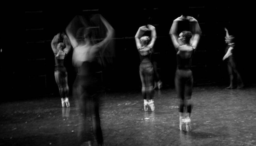 Kunsthøgskolen i Oslo vil fortsatt være selvstendig. Her studenter i klassisk ballett som prøver tilforestilling. Foto: Skjalg Bøhmer Vold