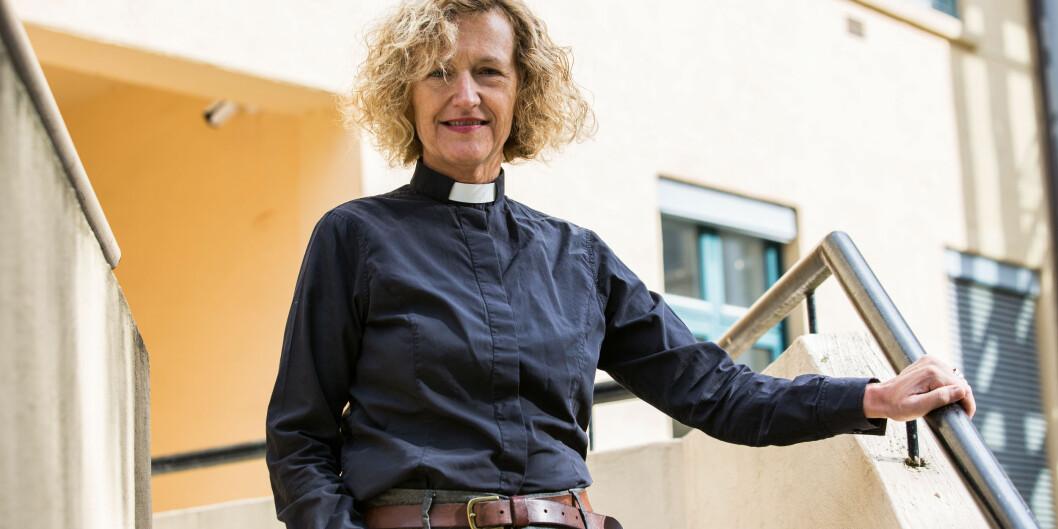 Oslos nye biskop Kari Veiteberg er student ved fagforfatterstudiet ved Høgskolen i Oslo og Akershus og tror hun vil få god nytte av det hun lærer der ibiskopjobben. Foto: Butt, Mariam