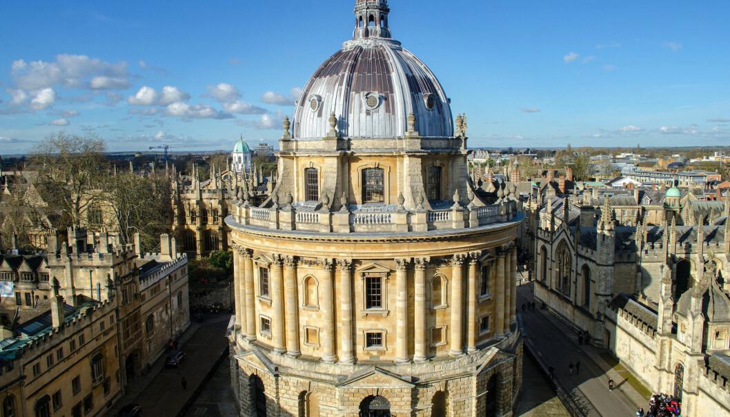 Oxford University er et av de britiske universitetene som risikerer bøter fordi rektoren har for høy lønn. Foto: AlisonDay/Flickr
