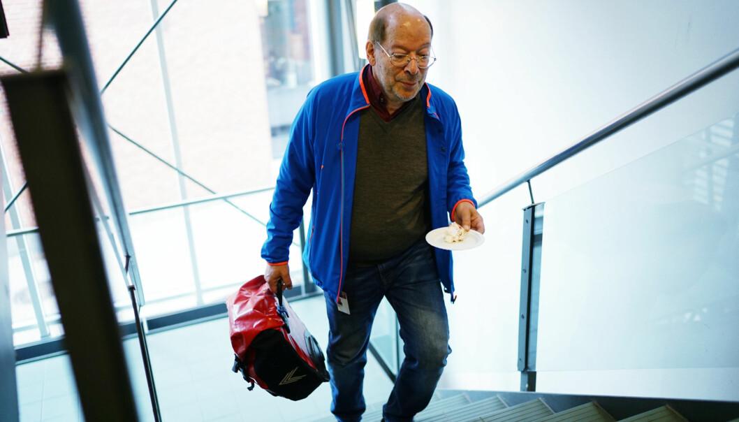 Førsteamanuensis og dr.juris, Jens Petter Berg, mener han har vært plassert på ulike «tørkeloft» ved Høgskolen i Oslo og Akershus de siste to og et halvtårene. Foto: Ketil Blom Haugstulen