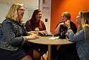 Studenter vil ha pensum på papir, mer enn digitalt