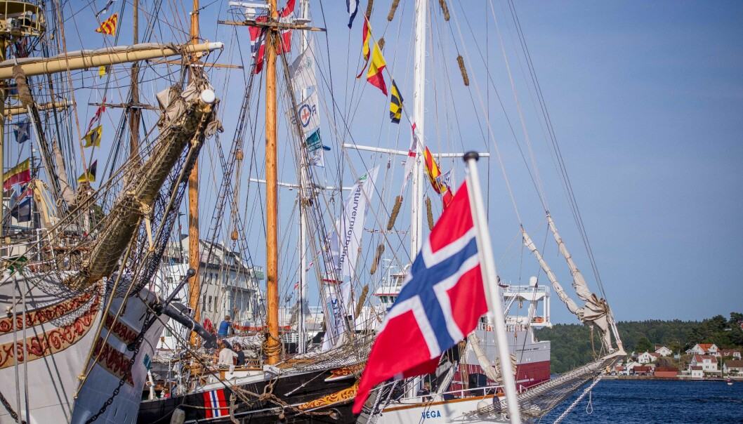 Flere forsknings- og kunnskapsinstitusjoner brukte seilbåter som base for formidling under Arendalsuka. Ill.foto: Siri Øverland Eriksen