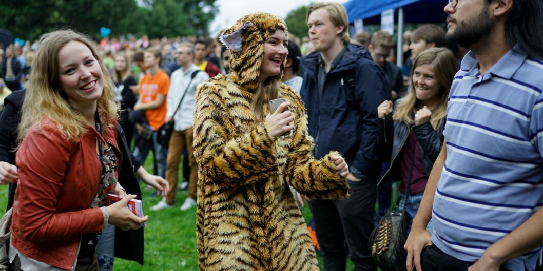 Julie Iversen er læringsmiljøansvarlig i Studentparlamentet ved Høgskolen i Oslo og Akershus. Her iført tigerkostyme på åpningsseremonien i august. Foto: Ketil Blom Haugstulen