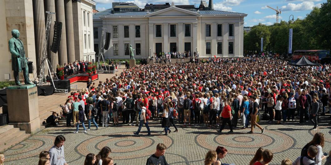 Forebygging og forhindring av seksuell trakassering er lovpålagt. Universitetet i Oslo trekkes fram som et godt eksempel. Her fra studiestart sistmandag.