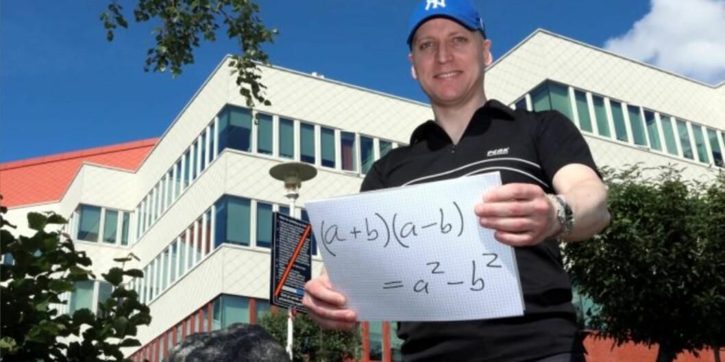 Alle som vil kan bli venn med konjugatsetningen med Høgskolen i Moldes populære Per Kristian Rekdal som matematikkfaglig reiseleder. Foto: Arild J.Waagbø