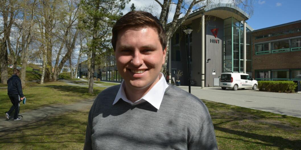 """Kevin Hovdahl Holmli mener omveltningene innen høyere utdanning er viktig og han vil gjerne være med på debatten. Det neste året som heltidsansatt studentpolitiker i Nord-Trøndelag. <span class=""""caps"""">FOTO</span>: BjørnarLeknes"""