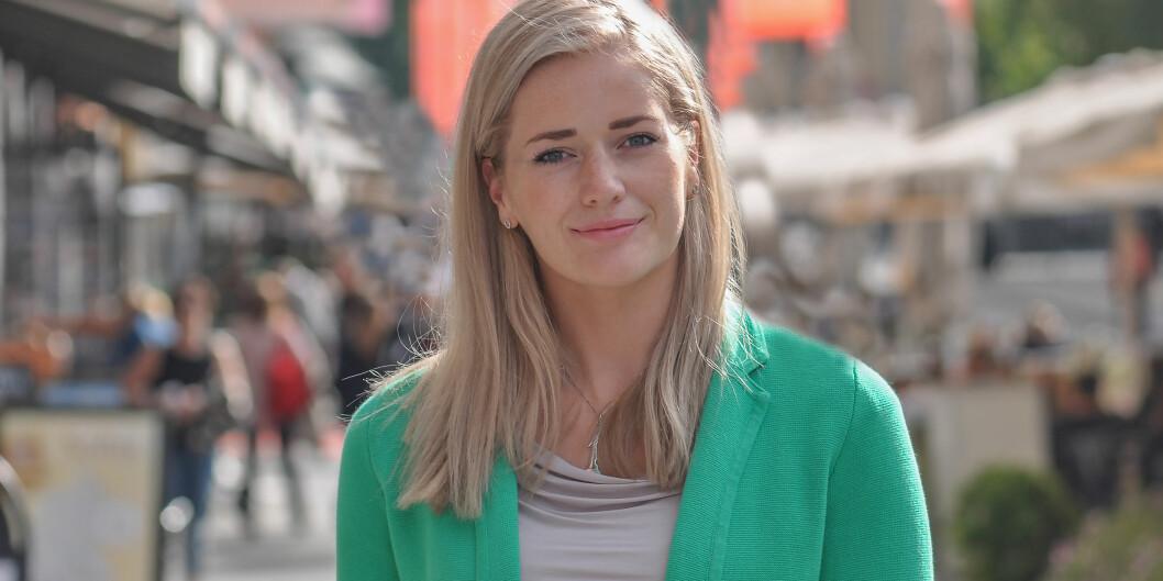 Masterstudenten ved Universitetet i Oslo, Emilie Enger Mehl, står på liste for Hedmark Senterparti. Dersom oppslutningen holder fram til valget kan hun få fast plass på Stortinget til høsten. Foto:Senterpartiet