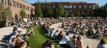Tilbyr student 375.000 kroner etter regnetabbe