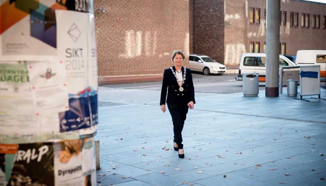 Rektor Anne Husebekk ved UiT Norges arktiske universitet får fem fakulteter i den nye organisasjonen, hvis universitetsstyret vedtar innstillingen som ble lagt framtorsdag. Foto: Skjalg Bøhmer Vold