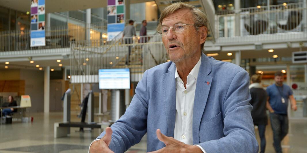 Professor emeritus og tidligere rektor ved UiT Norges arktiske universitet, Jarle Aarbakke, mener det er flere gode grunner til å beholde ledelsesmodellen med valgt rektor.