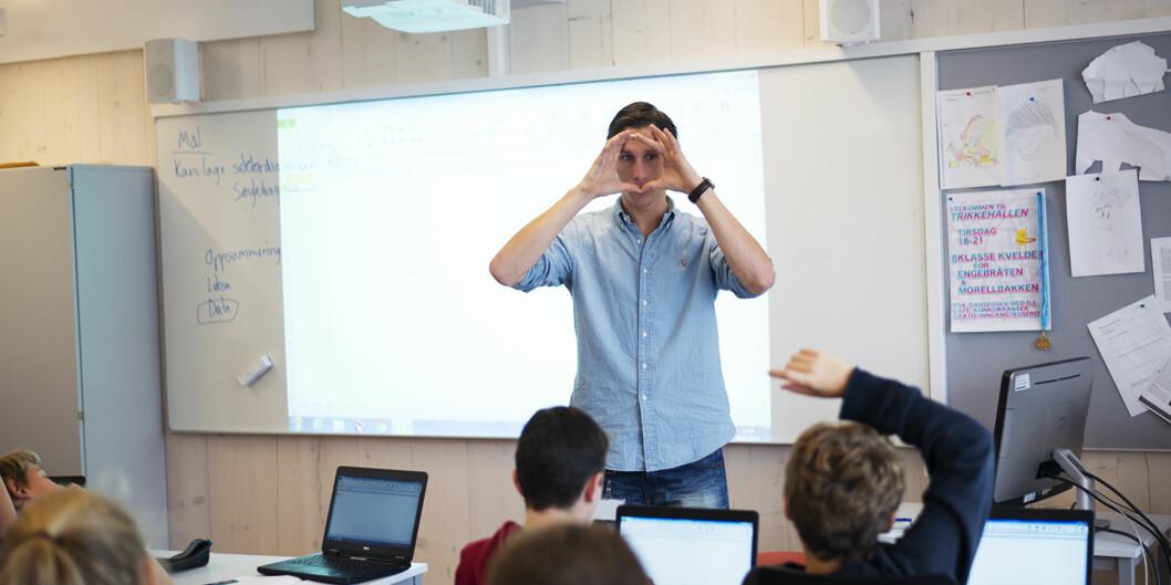 Lærerstudent og påtropende studentleder ved UiT, Daniel Hansen Masvik, vil ha mer praksis inn i studiene ved universitetet. Foto: Evelyn Pecori