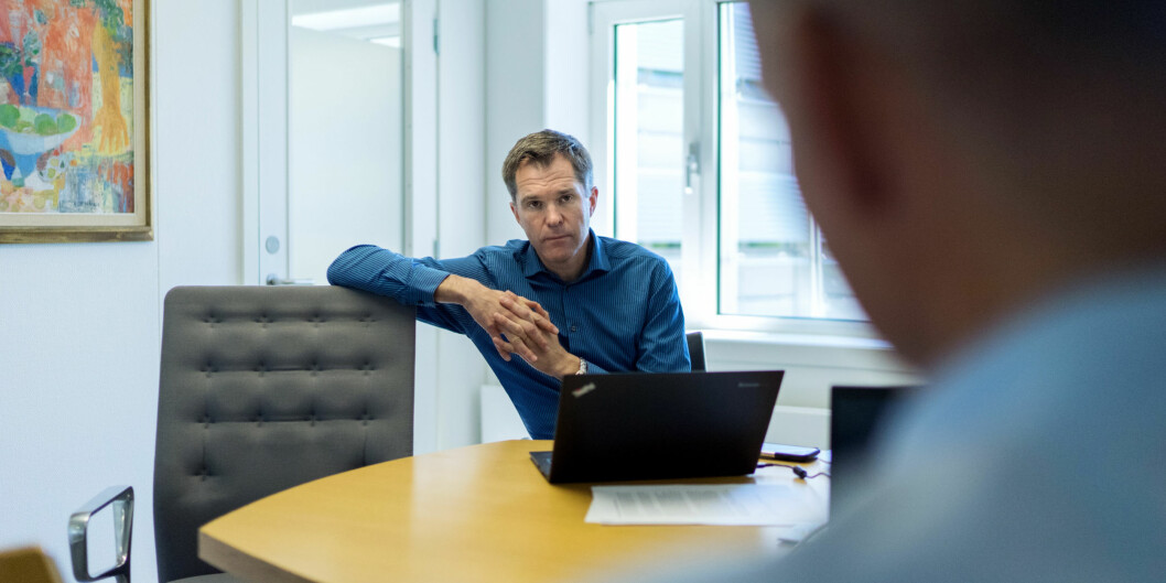Forskningsrådets direktør John-Arne Røttingen vil gjennom terningkast synliggjøre ulikheter i innsats på forskningsområdet og har kastet terning på innsatsen til de ulikedepartementene. Foto: Ketil Blom Haugstulen