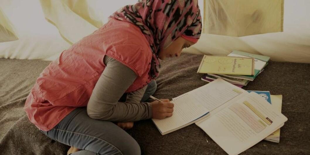 """<span class=""""caps"""">NOKUT</span> får en stadig økende mengde søknader om godkjenning av utdanning fra syriske flyktninger. Foto: Flyktningehjelpen/ChristianJepsen"""