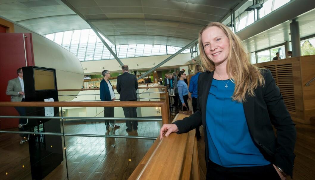 Mari Sundli Tveit er ny leder for interesseorganisasjonen for landets universiteter og høgskoler. Med seg har hun et splitter nytt styre. Foto: TorFarstad