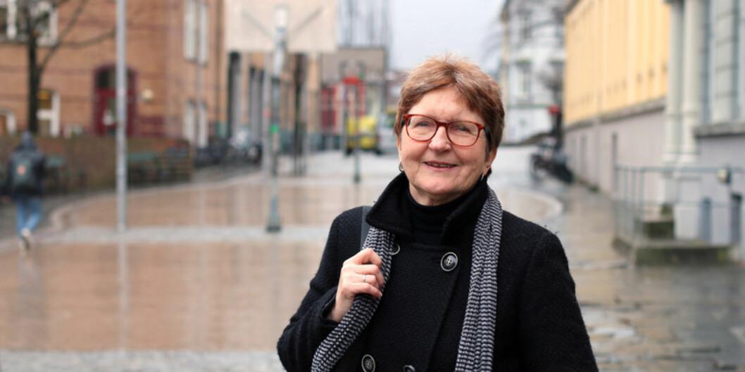 Grete Netteland er forskar og instituttleiar ved Institutt for samfunnsvitskap ved Campus Sogndal ved Høgskulen på Vestlandet. Ho har sett på korleis informasjonsbehovet til arbeidsinnvandrarar blir vareteke når dei buset seg iNoreg. Foto: Marthe Njåstad