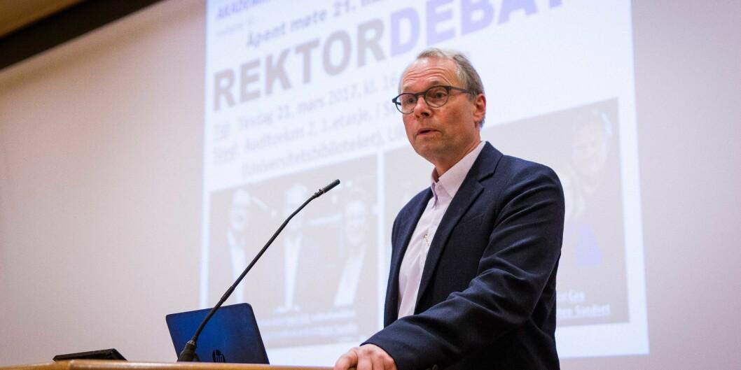 Hans Petter Graver stiller som rektor ved Universitetet i Oslo. Her fra en debatt mellom rektorkandidatene.