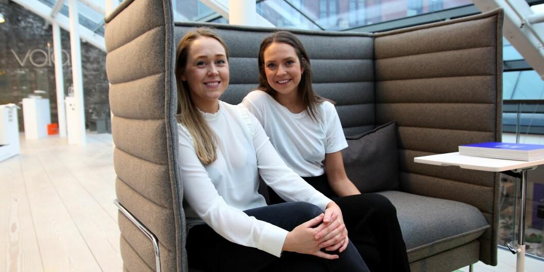 Guro Sørbø Midtun og Siri Line har et mål om arbeide fulltid med design i nærmeste fremtid. Foto: Sofie DegeDimmen