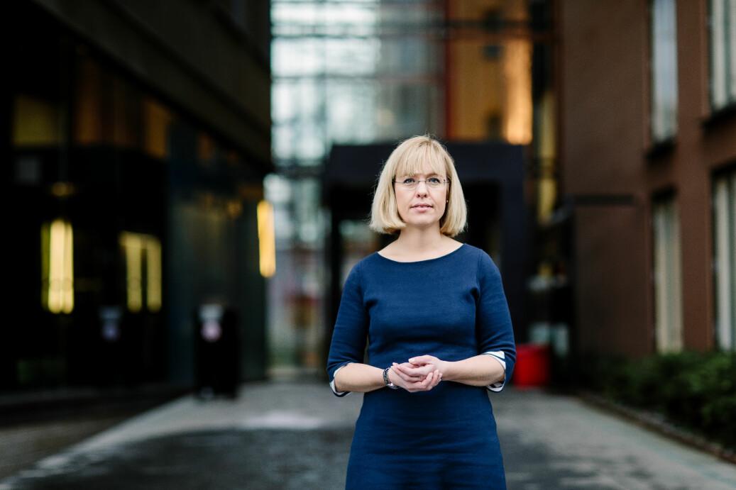 Direktør i Språkrådet, Åse Wetås, sier statsinstitusjoner er pålagt å skrive riktig norsk. Foto: Språkrådet