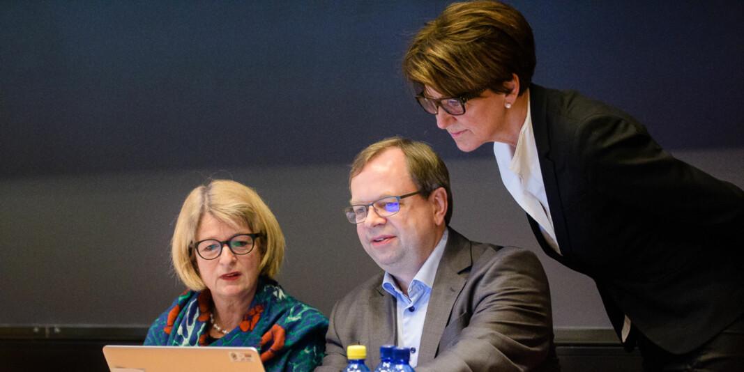 Ledelsen ved UiT Norges arktiske universitet, Anne Husebekk (t.v), Kenneth Ruud og Wenche Jakobsen forteller i dette innlegget hva deres tanker er om karriereutvikling i akademia.
