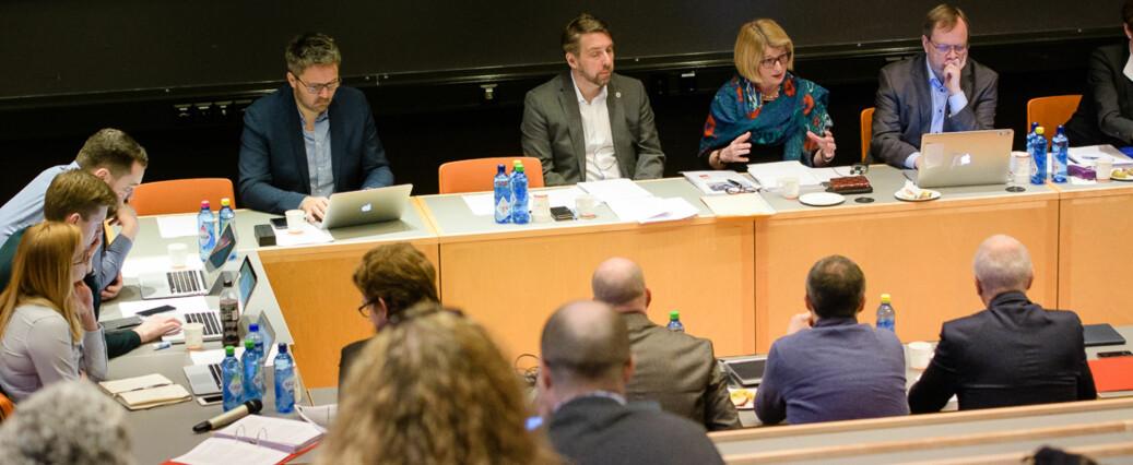 Styret ved UiT skal bestemme framtidig plassering av kunstfagene på styremøtet tirsdag. Her fra et møte i mars 2017. Foto: Lars Åke Andersen