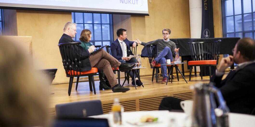 """Om merittering vil heve utdanningskvalitet, var noe av det panelet diskuterte under frokostmøtet til Nokut onsdag. F.v. Førsteamanuensis ved <span class=""""caps"""">NTNU</span>, Reidar Lyng, viserektor for utdanning ved UiB, Oddrun Samdal, detbattleder Gard Sandaker Nilsen og <span class=""""caps"""">BT</span>-kommentator og student Mathias Fischer. Foto: Ingvild FestervollMelien Foto: Ingvild Festervoll Melien"""