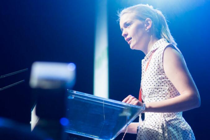 Kine Nossen på talerstolen på landsmøtet i NSO i 2017. Foto: Ketil Blom Haugstulen