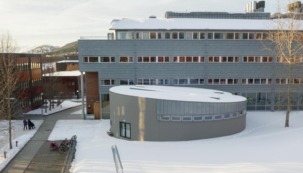 Det helsevitenskapelige fakultetet i Tromsø er det største av de åtte fakultetene ved UiT Norges arktiskeuniversitet. Foto: Bjørn-Kåre Iversen