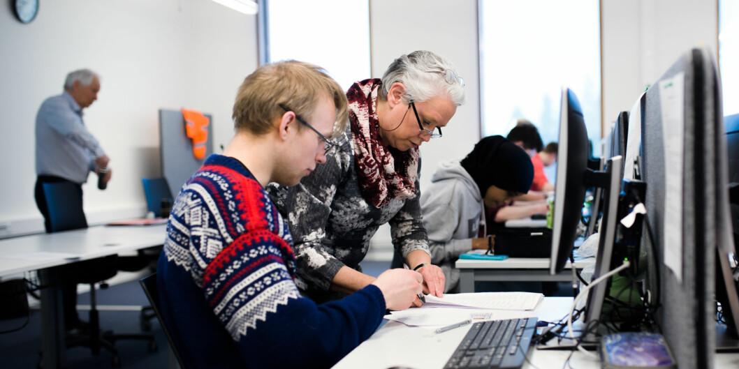 Civita-rådgiver Mads Kirkebirkeland mener at en moderat studieavgift kan hindre overutdanning. Foto: Henriette Dæhli