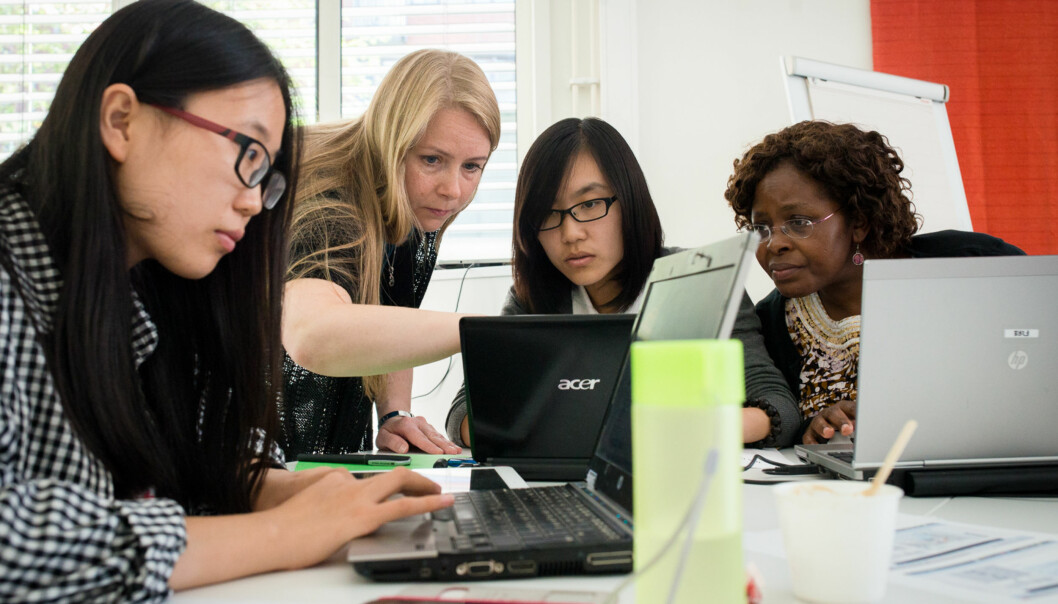 Hvem er det internasjonale studenter egentlig er en ressurs for, spør Tina Alvær. Illustrasjonsfoto fra HiOAs internasjonale sommerskole i 2014. Foto: Skjalg Bøhmer Vold
