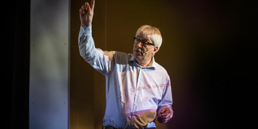 Organisasjons- og virksomhetsdirektør Tore Hansen ved Høgskolen i Oslo og Akershus presenterte planen om kutt i administrasjonen på et allmøte 14. mars og møtte sterk misnøye. Nå har han kommet til enighet med de ansattes organisasjoner om en omstillingsavtale. Foto: Siri Ø.Eriksen