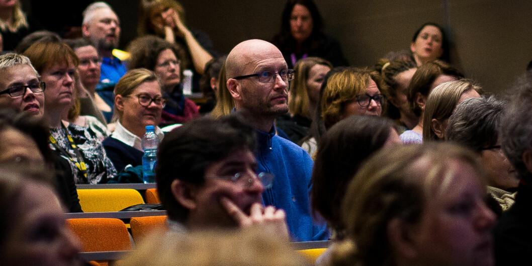 Bekymrede og sinte ansatte i administrasjonen ved Høgskolen i Oslo og Akershus møtte tallrike opp på allmøte for å høre om planene for å effektivisere arbeidsplassenederes.