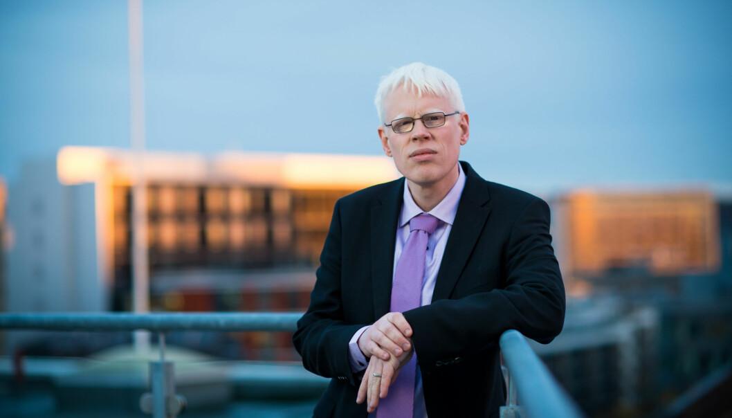 Professor på Institutt for informasjonsteknologi ved HiOA, Frode Eika Sandnes, kritiserer rektoratet for å legge IKT-studieplasser tilhelsefag. Foto: Skjalg Bøhmer Vold