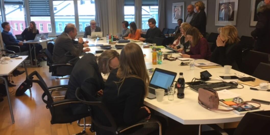Høgskolens styre og ledergruppe gjør seg klar til to timers strategidiskusjon på Høgskolen i Oslo og Akershus, rett før styremøtettorsdag.
