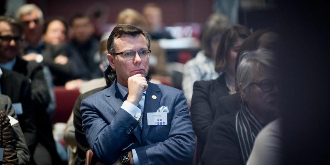 Rektor ved Universitetet i Bergen, Dag Rune Olsen. har gitt beskjed om at hovedregelen er at stillinger som lyses ut ved universitetet skal være faste stillinger, selv om finansieringen ermidlertidig.