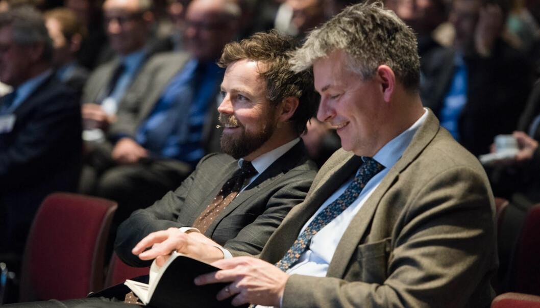 Statsråd Torbjørn Røe Isaksen og statssekretær Bjørn Haugstad kan smile fornøyd over strukturreformen. -- Nå begynner et tungt arbeid innad i institusjonene, der vil det nå komme flyttinger, konsentrasjon og saneringer, skriver kronikkforfatteren.Dette er betydelig underkommunisert i offentlig debatt