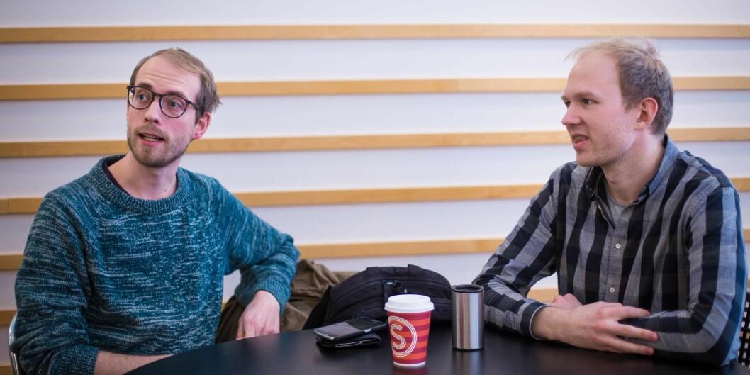 Mikael Schärer (26) og Lars Vingelsgård (29) tar master i statsvitenskap ved Universitetet i Oslo (UiO). De forteller at de har registrert at det er rektorvalg ved UiO, men at de ikke har satt seg særlig inn i det. Foto: Siri Ø.Eriksen