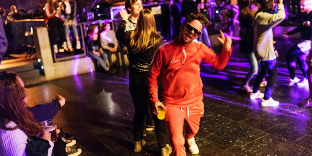 Khrono har besøkt og anmeldt ti av de studentdrevne pubene i Oslo, i jakten på den beste. (Akrivfoto fra ChateauNeuf)