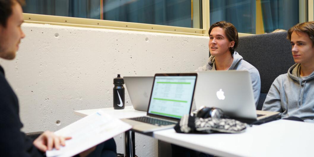 Studenter ved Høgskolen i Oslo og Akershus må ha tilgang på egen bærbar datamaskin på eksamen fra august2017. Foto: Ketil Blom Haugstulen