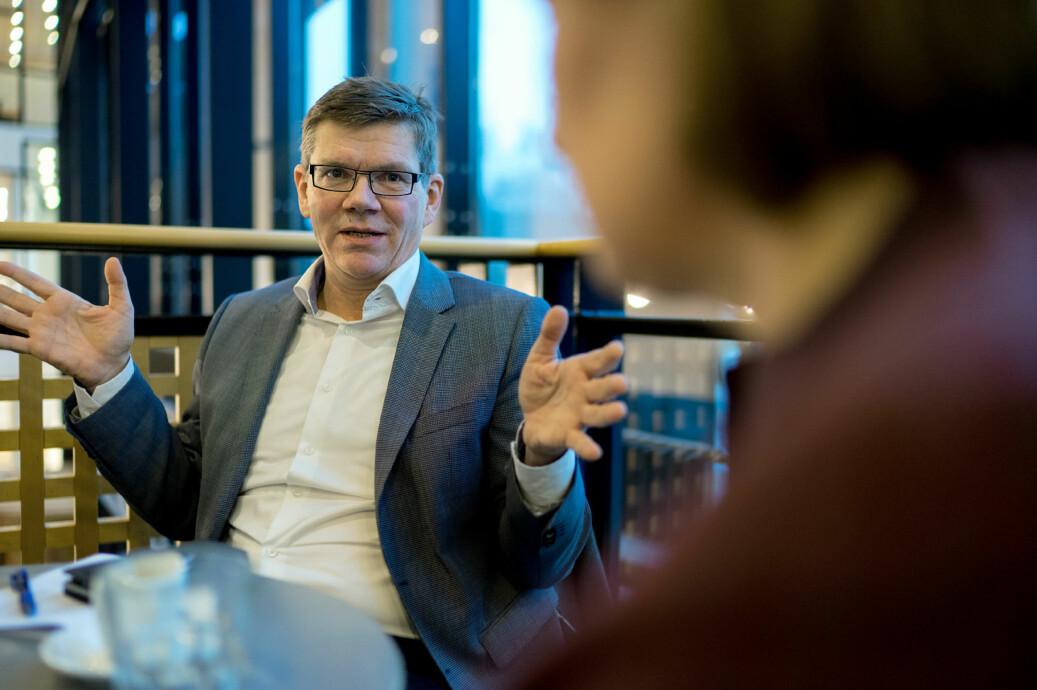 UiO-rektor Svein Stølen er positiv til at undervisningskompetanse skal vektlegges ved opprykk, men er bekymret for effekten det kan ha for likestillingen i faglige lederstillinger. Foto: Ketil Blom Haugstulen