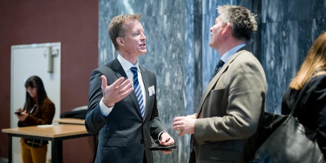 Rektor Curt Rice ved Høgskolen i Oslo og Akershus (t.v.) satser på å være universitetsrektor 1. januar 2018, her sammen med statssekretær Bjørn Haugstad iKunnskapsdepartementet. Foto: Skjalg Bøhmer Vold