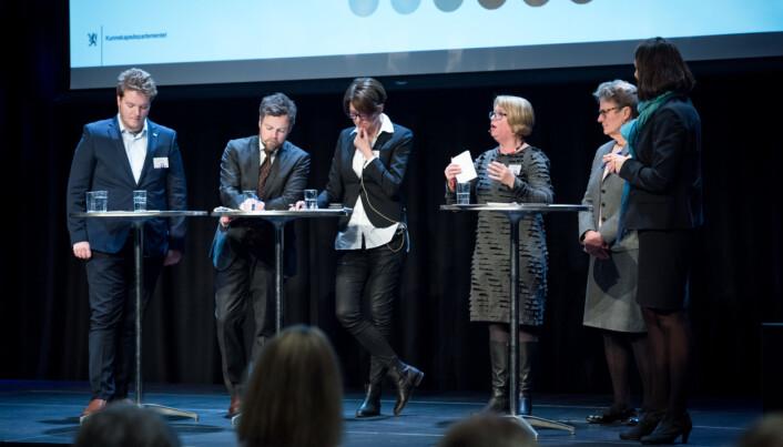Kjeldstad i debatt med blant annet daværende kunnskapsminister Torbjørn Røe Isaksen.