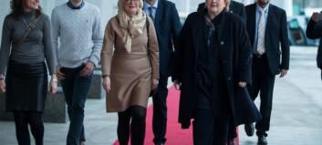 Solberg gir ein svak «A» til Røe Isaksen