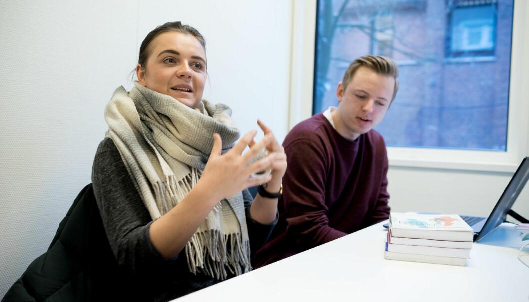 Anneline Jacobsen og Marius Johansen tror at opptakskrav og aldersgrense hadde hevet kvaliteten påbarnevernsutdanningen. Foto: Ketil Blom Haugstulen