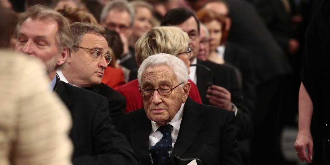 """Tidligere utenriksminister i <span class=""""caps"""">USA</span>, Henry Kissinger (93), overværer utdelingen av fredsprisen til Colombiaa president, Juan Manuel Santos  i Oslo Rådhus. 43 år etter at Kissinger selv fikk den omstridtefredsprisen. Foto: Larsen, Håkon Mosvold"""